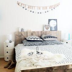 A romantic bedroom! - thanks to @huisjeboompjehondje via Instagram