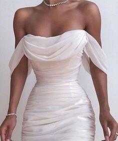 Fancy dresses - Solid Color Backless Dress from Fashion designer – Fancy dresses Pretty Dresses, Beautiful Dresses, Elegant Dresses, White Formal Dresses, White Gowns, Dress Formal, Dress Casual, Evening Dresses, Prom Dresses