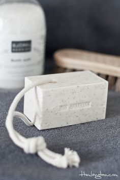 Iris Hantverk soap on a rope almond @ www. Shampoo Diy, Homemade Soap Recipes, Bath Recipes, Soap Packing, Soap On A Rope, Savon Soap, Cold Process Soap, Soap Molds, Natural Cosmetics