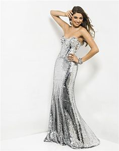 I think I just died and went to heaven! I would kill for this dress!!!!!!(: