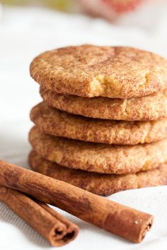 These Snickerdoodles have the cinnamon flavour you'd expect, plus a bit of nutmeg and molasses for a slightly richer flavour.