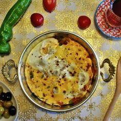 """menemen (Türkisches Bauernfrühstück) Wusstest Du, dass sich die Bewohner eines somalischen Dorfes für das typisch türkisches Frühstück """"menemen"""" begeistern können; es dort allerdings unter dem Namen """"Canerio"""" bekannt ist? Warum, dass erfährst Du auf unserem Blog!"""