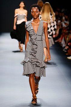 c67e4e18c0f5 13 трендов весны (и лета) с показов Недели моды в Нью-Йорке   Marie Claire