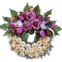 Kegyeleti koszorú mályva színű rózsával Floral Wreath, Decor, Floral Crown, Decoration, Decorating, Flower Crowns, Flower Band, Deco, Garland