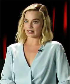 James Goes Method for 'Peter Rabbit' w/ Margot Robbie & Domhnall Gleeson (requested by anonymous) Margo Robbie, Margot Robbie Harley, Beautiful Gif, Gorgeous Women, Rare Videos, Timeless Beauty, Eye Makeup, Dream Boards, Domhnall Gleeson