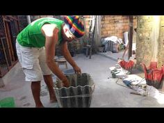 Como fazer vaso de cimento com detalhes - YouTube