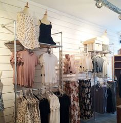 39 DIY Retail Display Ideas (from Clothing Racks to Signage) | Simplified Building