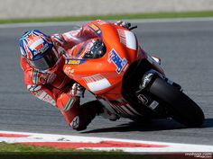 casey stoner 2008 | ... MotoGP World Champion Casey Stoner on the Ducati Desmosedici GP8