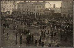 Civil War - Punavangit seisoivat yhden vuorokauden Tampereen torilla. Tampere 1918.