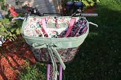 Most delightful bicycle basket liner.  I MUST make something just like this!