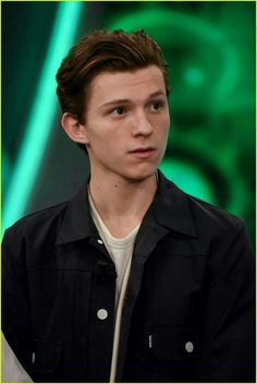 Read Tom Holland from the story One Shots ( Peter Parker / Tom Holland ) by dreathemouse (a n d r e a) with reads. Tom es el t. Tom Holland Peter Parker, Chris Hemsworth, Tony Stark, Tom Holand, Tommy Boy, My Tom, Men's Toms, Iron Man, Dylan O'brien