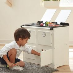 A reminder of old times past. The Teamson Kids Traditional Farmhouse Range Cooker in Cream is a flashback to traditional cookers and your little chef will love cooking a stew or soup in their very own kitchen! Little Chef, Range Cooker, Non Toxic Paint, Kids Toys, Children's Toys, Wooden Kitchen, Imaginative Play, Playroom, Farmhouse