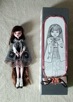 https://flic.kr/p/HUsCnt | Claudette custome OOAK Monster High Doll Draculaura repaint | www.etsy.com/listing/386057692/claudette-custome-ooak-mon...