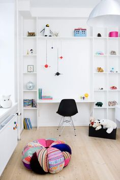 Childrens room with great idea for lots of storage combined with a desk shown in the Danish magazine, Boligmagasinet. Design by Peter Wedell // Styling by CPH Indretning // Photo by Anitta Behrendt For the Home,Home,Home Girl Room, Girls Bedroom, Child's Room, Bed Room, Kids Desk Space, Kids Workspace, Kid Desk, Cool Kids Rooms, Room Kids