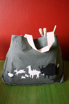Love this Ravelry knitting bag!