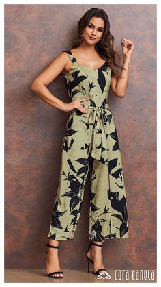Women's Summer Fashion, Look Fashion, Womens Fashion, Casual Dresses, Fashion Dresses, Summer Wedding Outfits, Romantic Outfit, Jumpsuit Pattern, Fashion Sewing