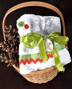 DIY tea towel tutorial {from little birdie secrets} Christmas Tea, Christmas Goodies, Christmas Crafts, Christmas Decorations, Dish Towels, Tea Towels, Homemade Christmas Presents, Sewing Crafts, Diy Crafts
