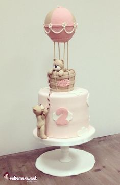 Up up in the sky - Cake by Naike Lanza