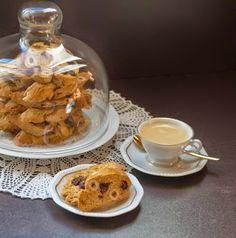 """""""Anya, ez isteni!..."""", avagy Gabojsza konyhája: Mogyorós, aszalt áfonyás cantuccini Waffles, Biscuits, Cookies, Eat, Breakfast, Drink, Food, Crack Crackers, Crack Crackers"""