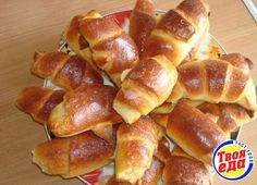 Lush Omelet in the oven Russian Pastries, Russian Dishes, Russian Recipes, Russian Honey Cake, Borscht Soup, Famous Drinks, Sour Cream Sauce, Gastronomia, Recipes