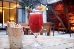 Les cocktails du mardi soir « Zefira » notre cocktail de la semaine en terrasse. Un cocktail au Mangalore, Sambuca, Pêche de vigne, bière blanche. You'll find Mangalore, Sambuca, Vine peach and white beer.  (l'abus d'alcool est dangereux pour la santé) #lescocktailsdumardisoir #hotellancaster #cocktails #drinks #terrace #terrasse #Mangalore #Sambuca #Vinepeach #WhiteBeer