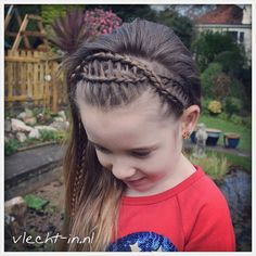252 Me gusta, 25 comentarios - Vlecht-in Princess Hairstyles, Flower Girl Hairstyles, Braided Hairstyles, Cool Hairstyles, Girl Hair Dos, Baby Girl Hair, Hair Dos For Kids, Long Hair Designs, Little Girl Hairdos