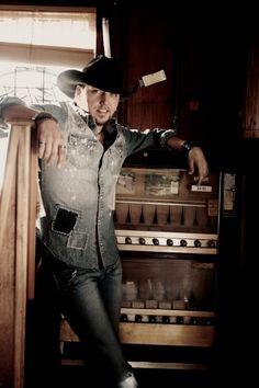 Jason Aldean Best Country Singers, Country Musicians, Country Music Artists, Country Music Stars, Country Men, Country Girls, Country Strong, Redneck Romeo, Brantley Gilbert