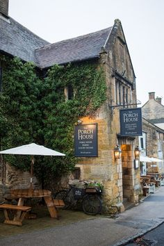 Porch House Stow on the Wold - Cotswolds - AA Pub of the Year England - Luxury Weekend Break Ideas San Myshuno, Places To Travel, Places To Visit, Stow On The Wold, British Pub, British Country, Country Uk, British Isles, English Village