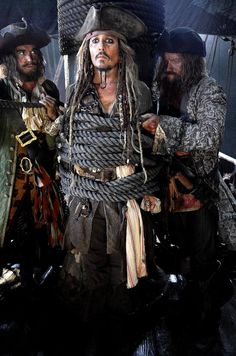 MOVIES: Pirates of the Caribbean: Dead Men Tell No Tales - News Roundup *Updated 6th February 2017*