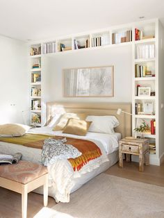 Setting up a small room is sometimes a puzzle! Do not panic, we give you some tips for a small bedroom with… Continue Reading → Home Decor Bedroom, Bedroom Makeover, Bedroom Storage, Cozy House, Bedroom Diy, Home Decor, Small Bedroom, Woman Bedroom, Remodel Bedroom