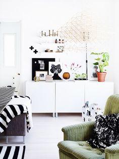 DIY Furniture Makeover: How to Repurpose a Vintage Sideboard Living Room Modern, Home Living Room, Furniture Makeover, Home Furniture, Sideboard Furniture, Vintage Sideboard, Beautiful Interiors, Home Decor Inspiration, Decoration