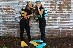 Scuba Diver Costume | CGH | Brooklyn & Bailey Under The Sea Costumes, Beach Costume, Black Dress Halloween Costume, Fairy Halloween Costumes, Diy Costumes, Costume Women Diy, Halloween Themes, Halloween 2017, Halloween Diy