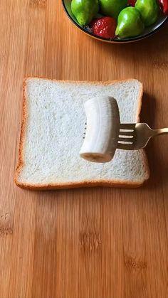 Fun Baking Recipes, Snack Recipes, Dinner Recipes, Easy Recipes, Bread Snacks Recipe, Mouth Watering Food, Breakfast Bowls, Easy Snacks, Diy Food