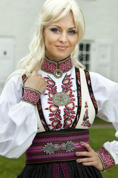 Young Norwegian woman in traditional costume. Norwegian Clothing, Norwegian People, Swedish Women, Ethnic Fashion, Womens Fashion, Culture Clothing, Frozen Costume, Russian Fashion, 2 Piece Outfits