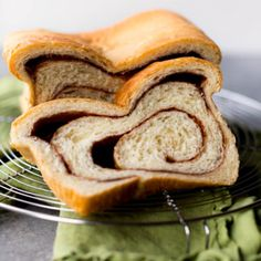 This homemade cinnamon swirl bread recipe is a family favorite and only requires a handful of basic ingredients. It's soft and tender with the most unbelievably gooey cinnamon swirl inside! Homemade Monkey Bread, Homemade Croissants, Homemade Cheese, Homemade Ham, Homemade Breads, Star Bread, Bread Recipe Video, Cinnamon Swirl Bread, Cinnamon Rolls