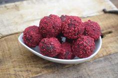 Energy Balls, Raspberry, Low Carb, Fruit, Food, Pretty, Dried Dates, Different Fruits, Bircher Muesli