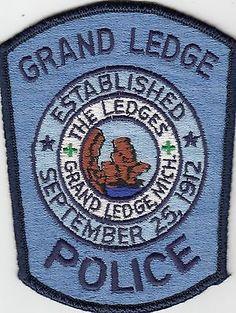 GRAND-LEDGE-POLICE-SHOULDER-PATCH-MICHIGAN