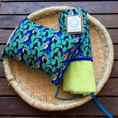 Kit de Praia Atoalhada Kit com 1 Travesseiroe 1Capade cadeiraatoalhada.Lindas e Aconchegantes para você curtir a praia ou a piscina no maior estilo e co...