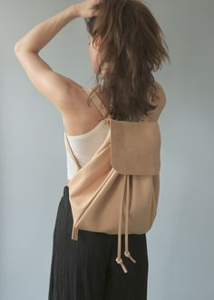 Backpack Roo in nude - Plumbag Project