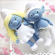 Cute crochet pattern with easy instructions! Let your mind wander into the fancy world of the Smurfs with this super soft crochet Smurfette! Use our free Smurfette Amigurumi Pattern to create the lovely toy for your little ones :) How To Crochet an Amigur Chat Crochet, Crochet Mignon, Crochet Doll Pattern, Crochet Toys Patterns, Crochet Patterns Amigurumi, Amigurumi Doll, Stuffed Toys Patterns, Diy Crochet, Crochet Designs