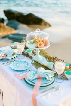 Oak & Linden Styling and Flowers beach inspiration shoot with Lovenote Photography