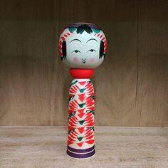 「Kokeshi」おしゃれまとめの人気アイデア Pinterest  yuki77 Kokeshi dolls
