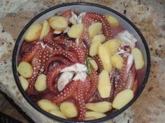 Octopus Peka (Octopus Under the Bell) // Croatia