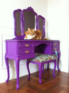 Les 15 plus Funky Furniture Ensembles jamais Purple Furniture, Chest Furniture, Funky Furniture, Recycled Furniture, Refurbished Furniture, Colorful Furniture, Furniture Makeover, Vintage Furniture, Furniture Decor