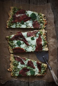 pesto and prosciutto flatbread