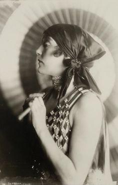 Vanda Hoff performed in the Ziegfeld Nine O'Clock Revue of March 8, 1920 (aka Ziegfeld Girls of 1920). According to the theatre program, she also performed in the Ziegfeld Nine O'Clock Frolic of 1920 (May 31 edition)