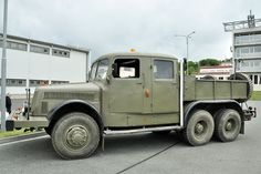 Cars And Motorcycles, Transportation, Sisters, Trucks, Classic, Vehicles, Military, Antique Cars