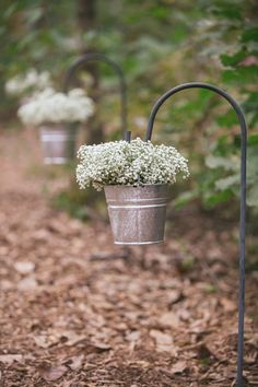 Wedding ceremony decor idea - galvanized buckets with baby's breath {Lois Elaine Photographie}