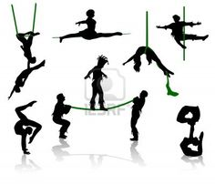 Siluetas de los artistas de circo. Acróbatas y equilibrista. Foto de archivo - 5278924