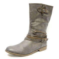 #bottes #grandetaille #grandepointure #femme #mode #talonplat  #gay #travesti  #chaussure #chaussurefemme  #confort